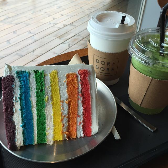 barevný dort.jpg